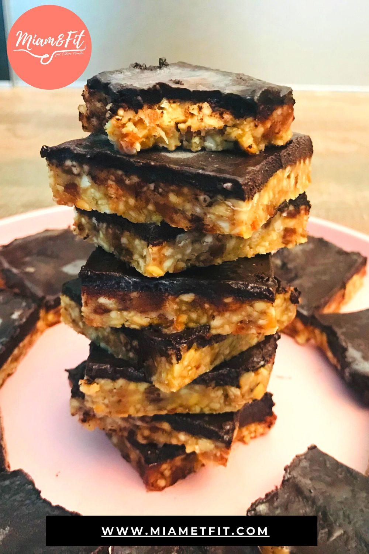Barres aux noix et au chocolat glacé