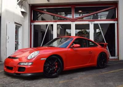 Porsche GT3 Red