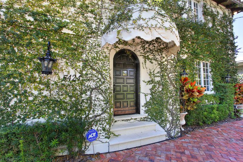 5424 Alton Road Miami Beach Luxury Home