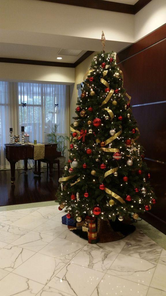 La Perla 2015 Christmas Tree