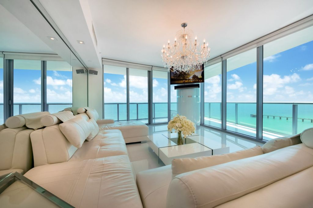 Jade Beach 1501 SE Corner Views Miami