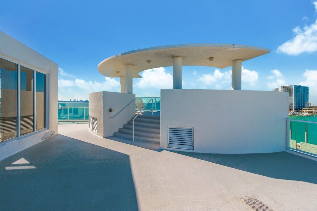 Baylights Penthouse (2012) Miami Beach