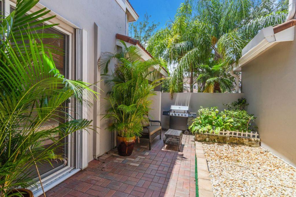 1125 Buttonwood Lane Hollywood Florida