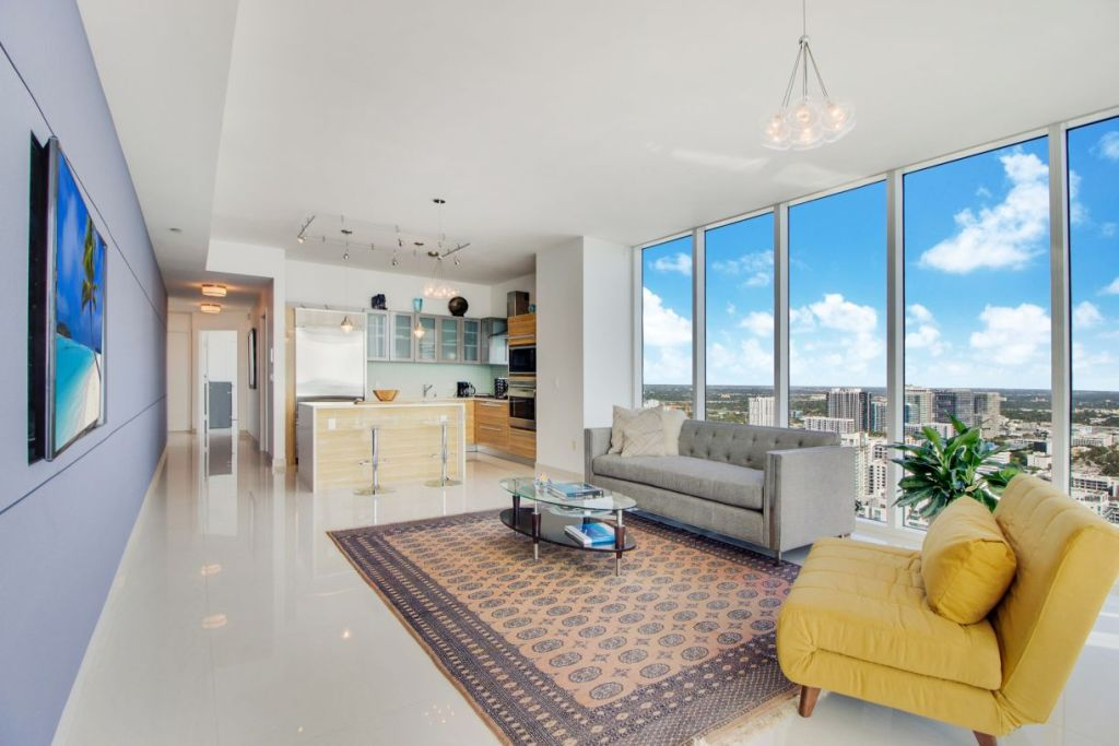 Paramount Bay #3801 Living Kitchen