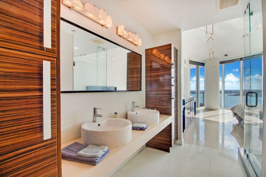 Paramount Bay #3801 Main Bathroom Vanity