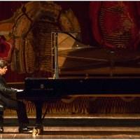 Notable debut de Javier Perianes en el Teatro Colón