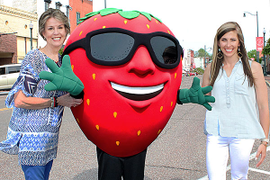 """Locals Are """"Cancelling"""" The Troy Strawberry Festival Mascot. Here's Why:"""