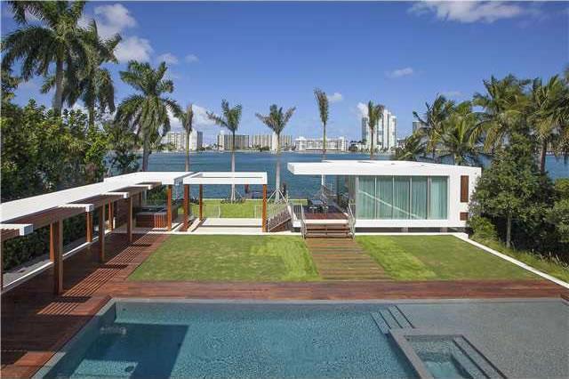 Imvel de Altssimo Luxo em Miami Beach  Frente ao Mar