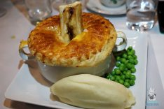 The Avenue - Pie & Mash