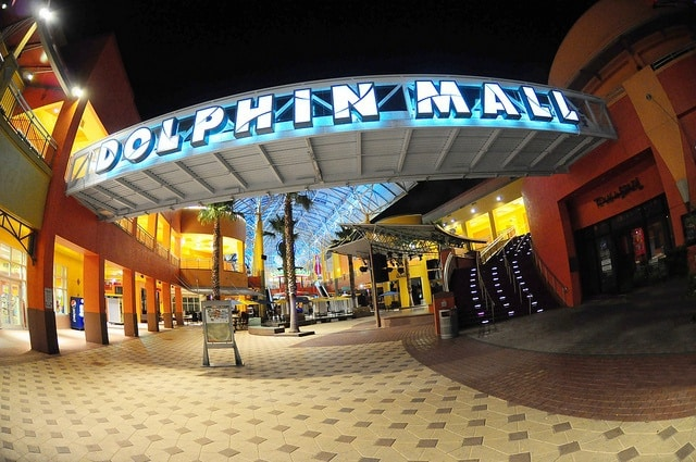 9335ee719 Dolphin Mall - Miami on the Cheap