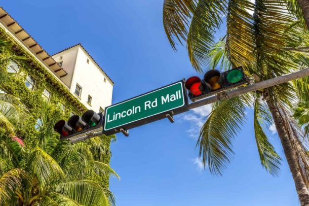 Street Sign Lincoln Road Mall In Miami Beach, The Famous Central