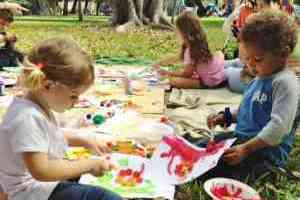 Free monthly art program for children