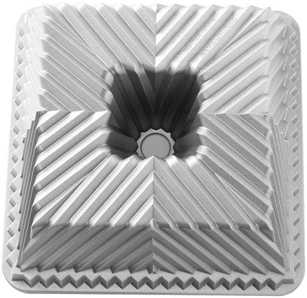 Forma Para Bolos Nordic Ware Square Bundt® Cake Pan 599242
