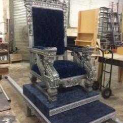 Sedan Chair Rental Marus Dental King Throne Miami Prop Img 3809