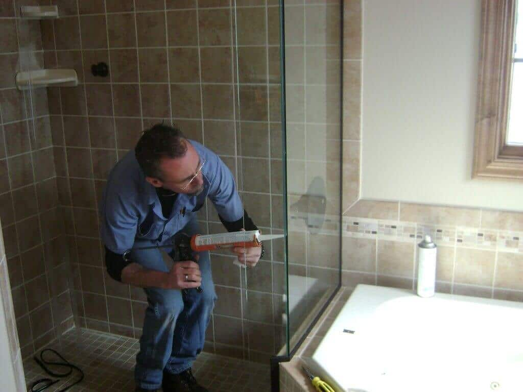 Hiring a professional bathroom contractor  Miami Tile