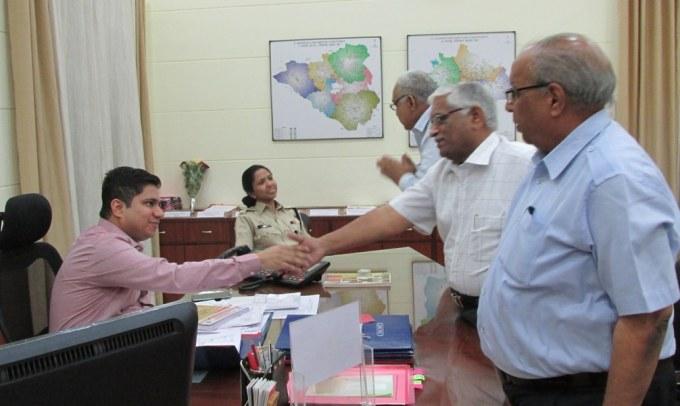 MIA Office Bearers Meet Dist. Collector