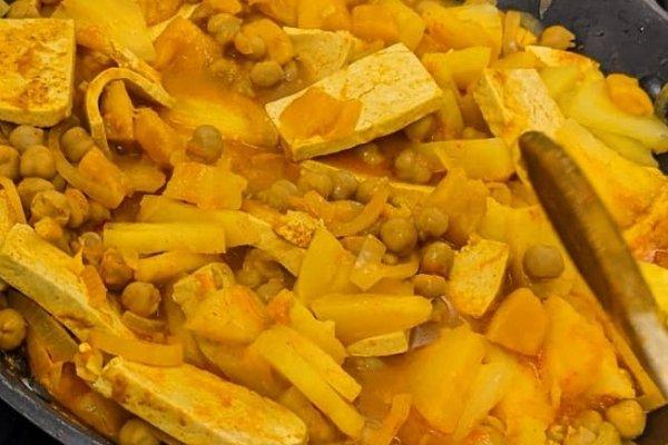 Ein Traum in Gelborange – Curry