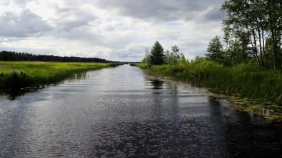 Järvi edessä
