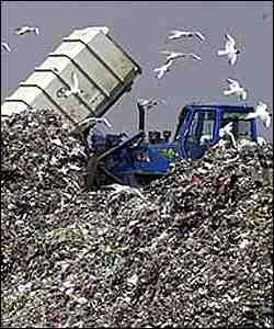 Un pañal desechable puede tardar alrededor de 500 años para desintegrarse en un vertedero. (tomado de bbcmundo.com)