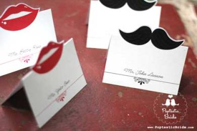 lips-mustache-wedding-escort-cards