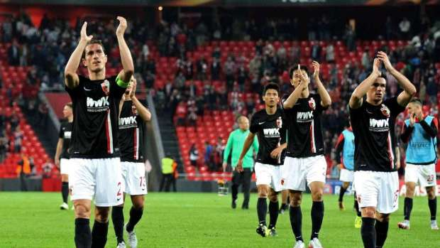 Una decente campaña en Europa costó problemas en liga para el Augsburgo. Pero los hombres de Weinzierl no se van a resignar a perder más terreno.