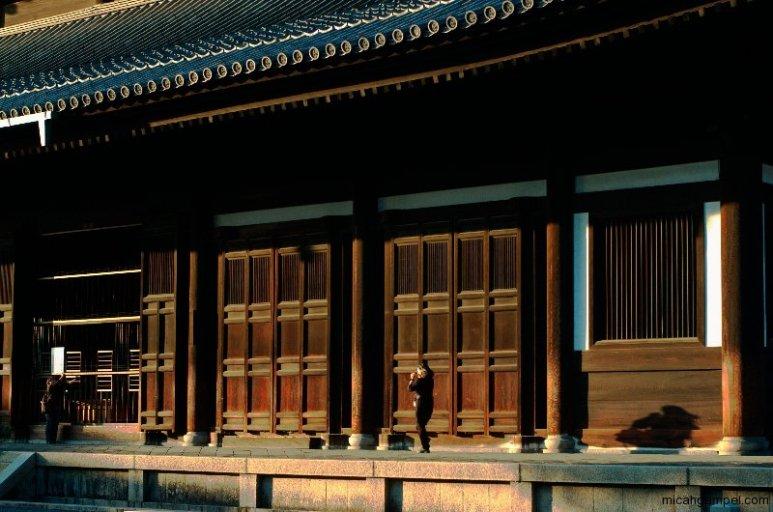 tofukuji-temple-building-sunset-kyoto-micah-gampel-2009
