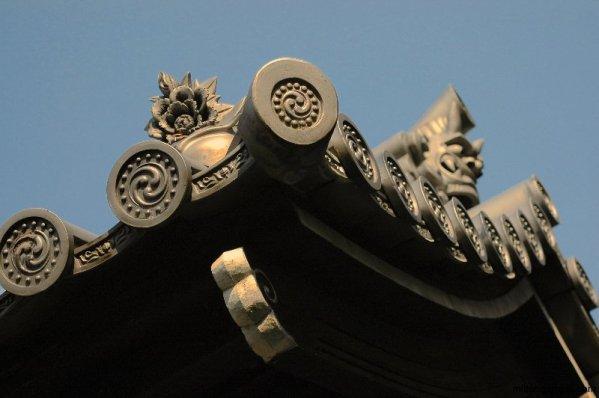 tofukuji-temple-rooftile-detail-kyoto-micah-gampel-2010