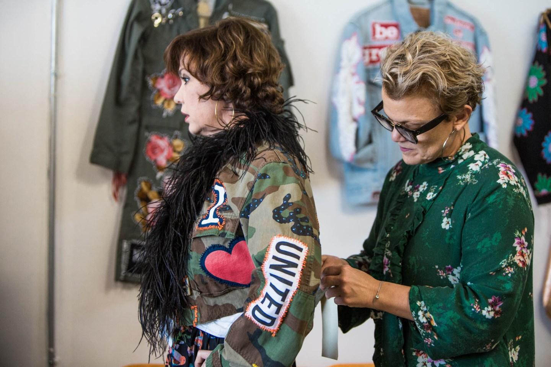 miami-fashion-blogger-chuky-reyna-at-claudia-gontovnik-studio-