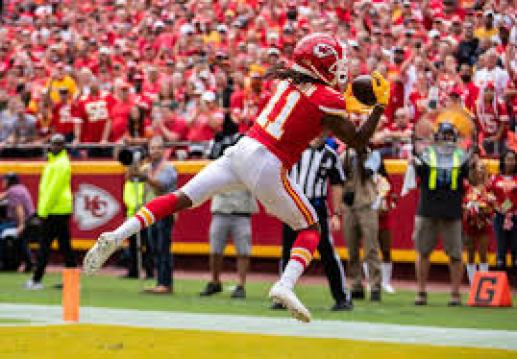 Chiefs share 360-degree view of Demarcus Robinson TD catch | The Kansas  City Star