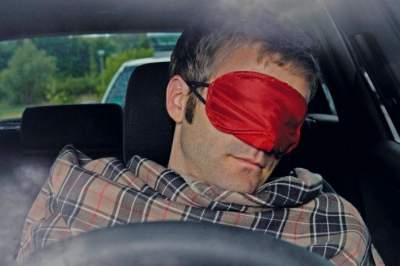 Ксперты назвали жуткую статистику по засыпанию за рулем
