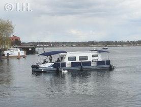 Wohnwagen auf dem Wasser