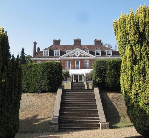 Hunton-House mit 25 Kaminen ...