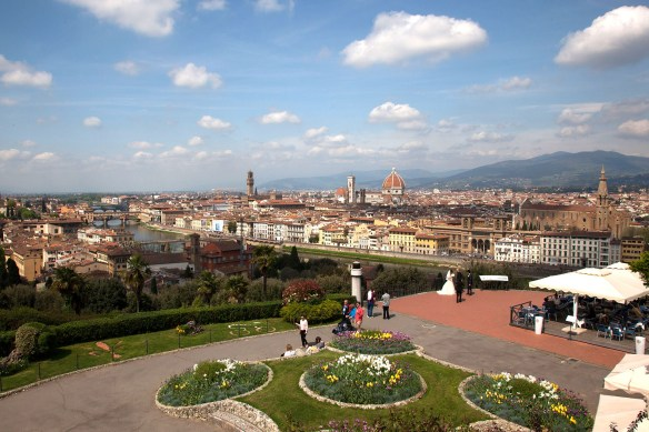 foto,photo,fotografie,photography,bilder,pictures,reisen,travel,sightseeing,besichtigung,italien,italy,florenz,stadt,town,city,old city,piazzale Michelangelo,arno,fluss,river,ponte vecchio