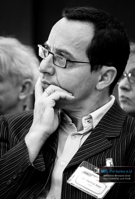 """6D/Fb/LNK in a minute Teil 4: """"LNK: Kirche bei Gelegenheit als Gelegenheit für die Kirche!"""" – Dr. Helmut Eder, Dekanatsassistent Linz Nord/Mitte/Süd und Traun über die Lange Nacht der Kirchen"""