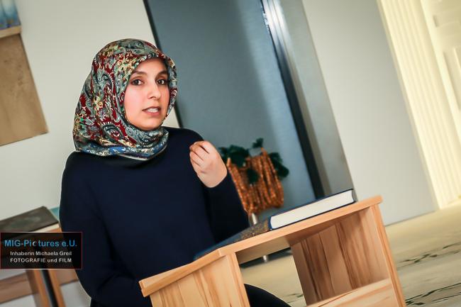 6D/Fotostrecke: Interreligiöse Begegnung für Frauen, Besuch in der NUR Moschee Linz/OÖ, 23.3.2017 – Presse- & Veranstaltungsfotografie für Haus der Frau Linz