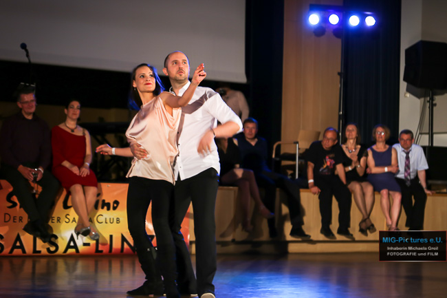 6D/Fotostrecke: Kulturelle Vielfalt verbindet. Der Linzer Salsa Ball 2017 in Bildern - 13.05.2017 - Veranstaltungsfotografie