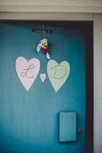 Tür Blau Eingang Reportage Hochzeit Foto Hochzeitsfotografin Michaela Klose Paarfotos