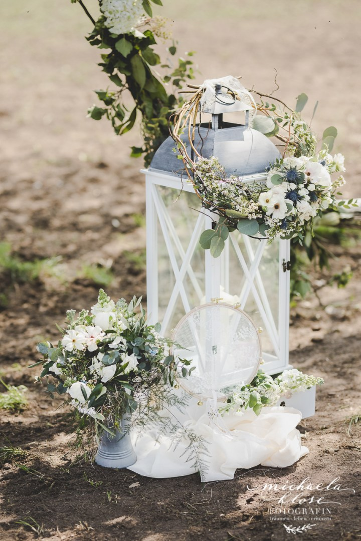 Braut Inpirationsshooting Styled Shoot Landlust Flower Ring Lantern Brasilian Bride Vintage Bouquet Brautstrauß Eucalyptus