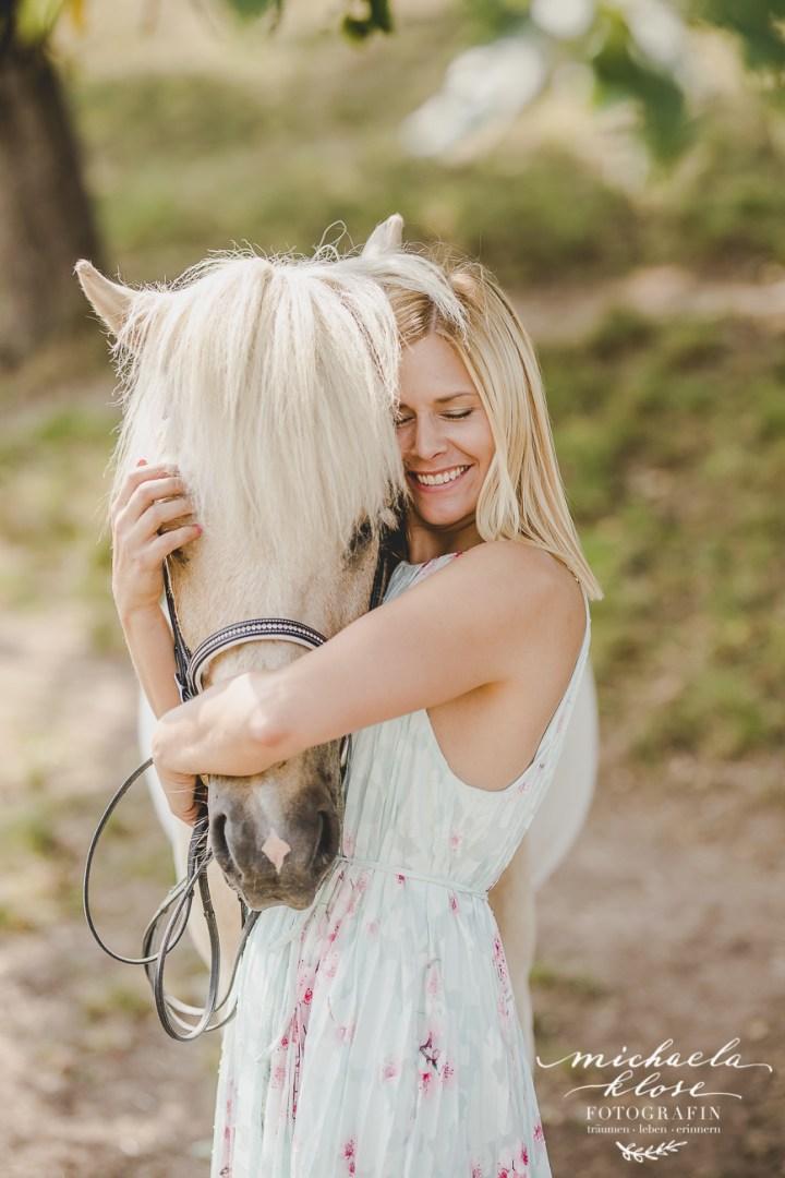 Große Pferdeliebe // Islandpferd Ljómi und seine Caro