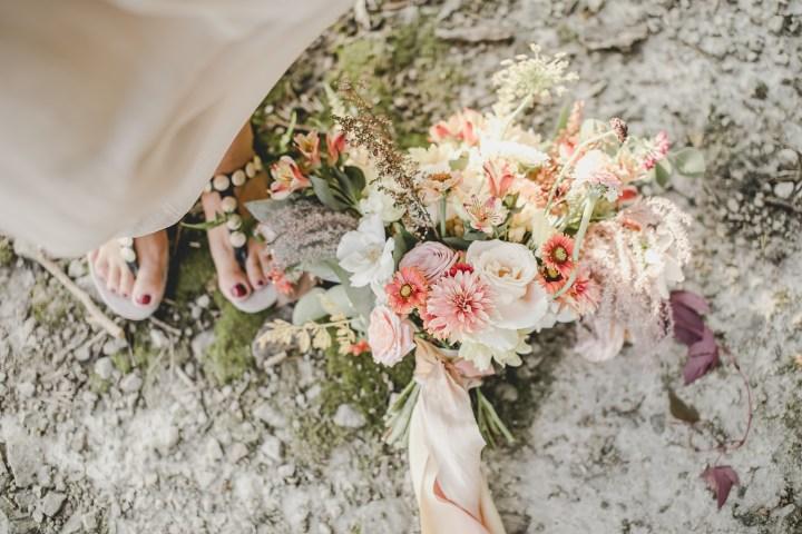 Der Brautstrauß // Hochsommerliche Brautinspiration