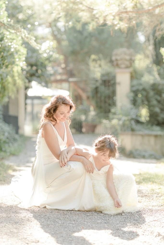 Braut und Blumenmädchen Fine Art Hochzeit