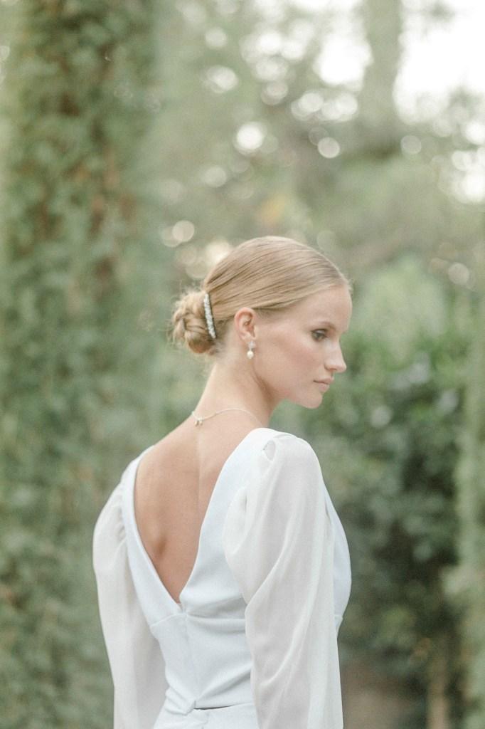 Brautpaarshooting Hochzeitsfotos Pfalzhochzeit Hochzeitsfotograf Michaela Klose Braut minimalistisch