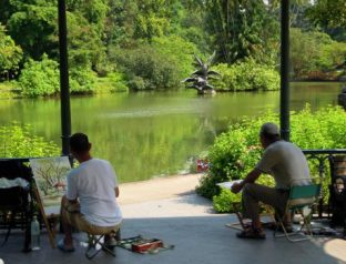 Artist & Photographers are everywhere in the Botanical Gardens
