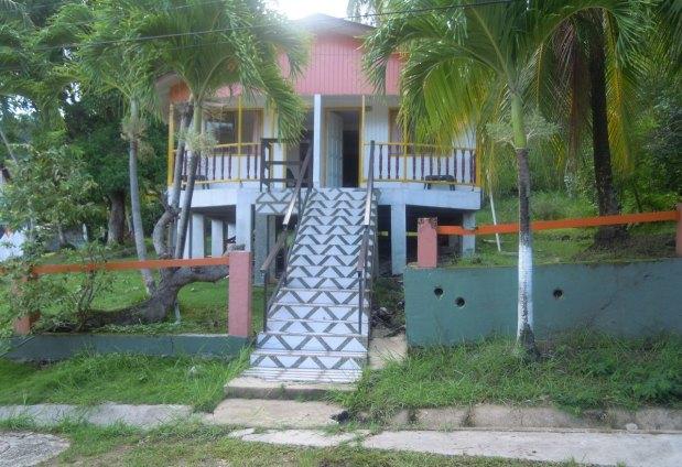 07 island house