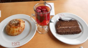 Cinnamon role, chocolate cake and aromatica.