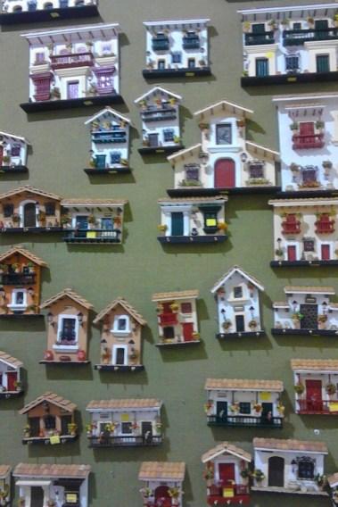 Arte Luna casa wall