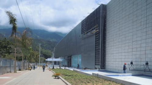 Front entrance of the soon to open Gran Estación mall in Ibagué. October 2013