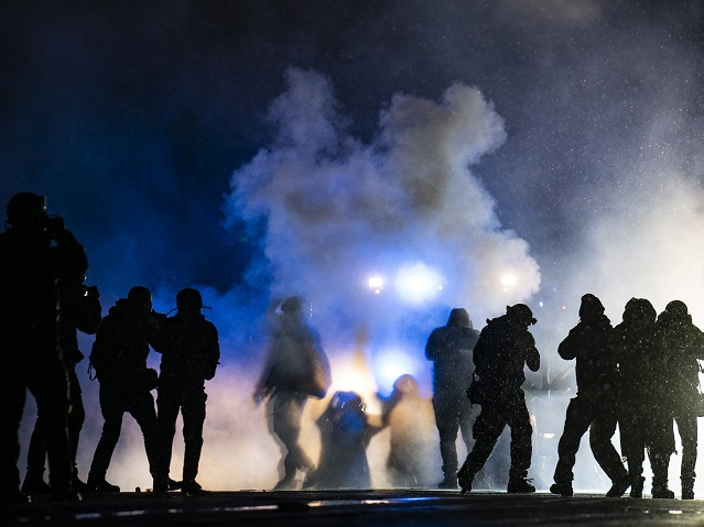 60 Arrested in Minnesota in 3rd Night of Riots After Police Shooting of Daunte Wright