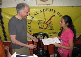 Michael giving certificate to student after master class in Mumbai Feb 5 2014 2