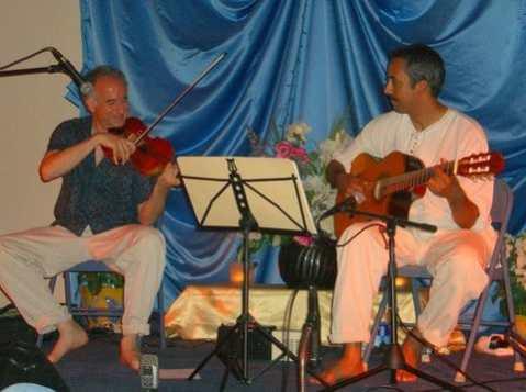Michael with Emiliano Valerio on guitar